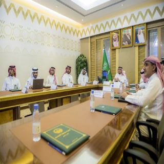 سمو أمير #القصيم يلتقي الرئيس التنفيذي للتجمع الصحي بالمنطقة