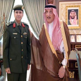 """سمو أمير #جازان يُقلد """"الغامدي """" رتبة لواء مُديراً لجوازات المنطقة"""