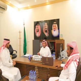 البناوي وآل منشط يستقبلان ممثل اللجنة الإعلامية بملتقى بارق بالمنطقة الوسطى