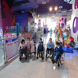 الأطفال ذوي الإعاقة بعسير  في ضيافة  الراشد مول