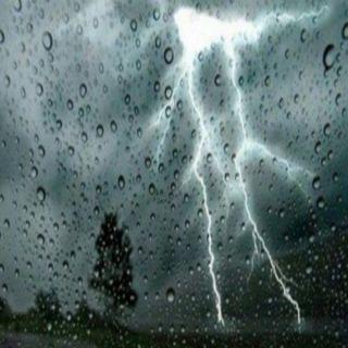 طقس اليوم السبت أمطار رعدية ورياح نشطة على 6 مناطق