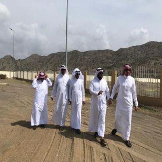 رئيس بلدية بحر أبو سكينة ورئيس المركز يقفان على عدد من مشاريع المركز
