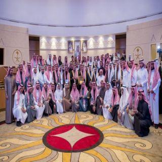 """الأمير فيصل بن مشعل يكرم 72 فائزاً وفائزة بجائزة الموظف المثالي """"تميز"""" في #القصيم"""