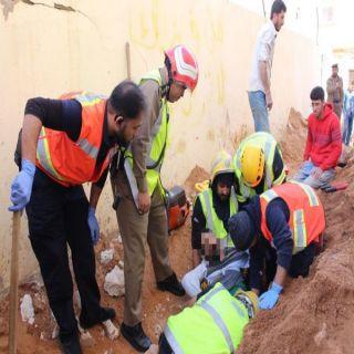 وفاة شخص واصابة شخصين في إنهيار صبة خرسانية بحي الشفاء في #تبوك