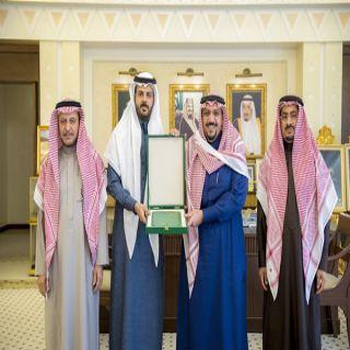 أمير القصيم يطلع على مبادرة تطوير إجراءات الأداء بإمارة المنطقة
