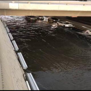 #جدة: تسرب مياه بنفق طريق الملك يُغلق الطريق جزئياً
