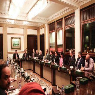 """السفير """"آل جابر"""" يلتقي شخصيات سياسية ودبلوماسية وإعلامية في #لندن"""
