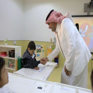 أبن مشيط يشيد بخدمات جمعية الأطفال ذوي الإعاقة بعسير