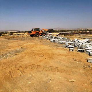 بلدية مربة في عسير  ترحل 10 الاف من المخلفات