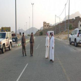 محافظ #المجاردة يقف على تطبيق منع التجول بمركز ثربان