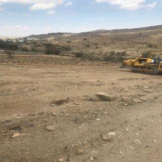 التعديات وبلدية #بلقرن تُزيل 16000 متر مربع تعديات بمركز عفراء