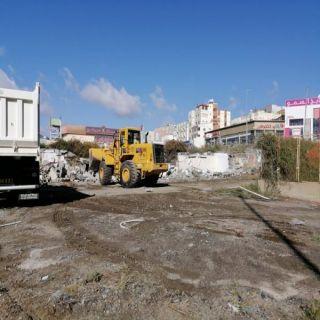 إزالة  4 مساكن عشوائية للعمال لم تلتزم بقواعد السلامة و الوقاية بوسط أبها