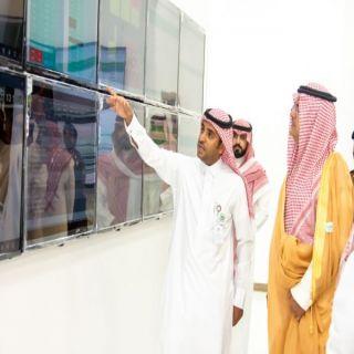 الأمير منصور بن محمد يتفقد مركز القيادة والتحكم بصحة حفر الباطن