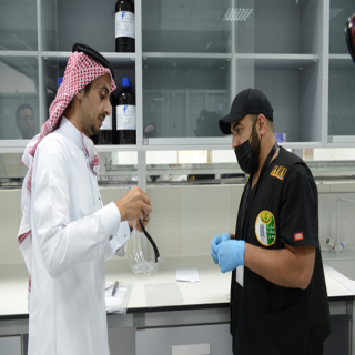 هندسة جامعة الملك خالد تسلم أمانة عسير 1200 من الأدوات تم تصنيعها للوقاية من كورونا