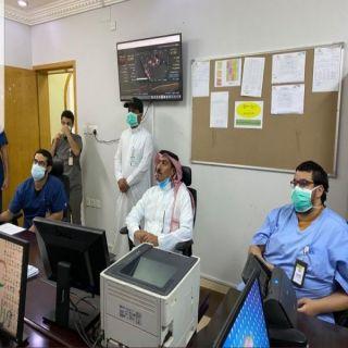 محافظ #خميس_مشيط يتفقد غرفة إدارة عمليات التعامل مع كورونا في المحافظة