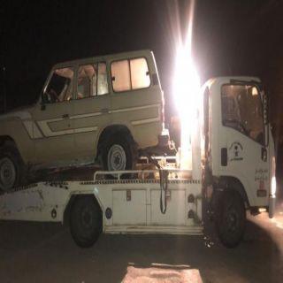 بالصور - جهود #بلدية_بارق لرفع المركبات التالفة تصل لمركز ثلوث المنظر