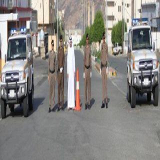 رئيس مركز #خاط يُعايد رجال الأمن وينقل مُعايدة الأهالي للقيادة الرشيدة