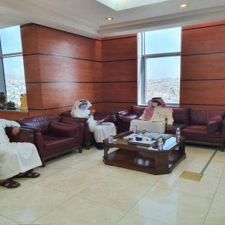 أمين عسير يلتقي مدير فرع معهد الإدارة بالمنطقة
