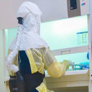 المختبر الإقليمي وبنك الدم بالقصيم يجري قرابة 14 ألف فحص مخبري