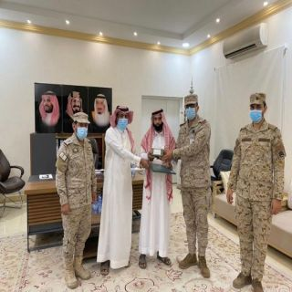 منح خمسة شهداء في محافظة #بارق وسام الملك عبدالعزيز