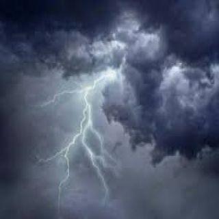 مكة المُكرمة أمطار وانعدام في الرؤية على هذه المُحافظات والدفاع المدني يُحذر