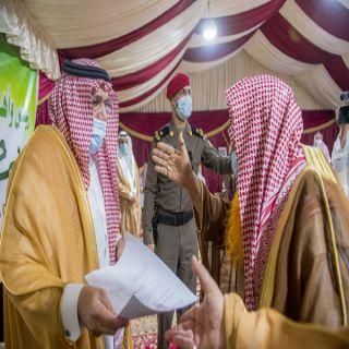 سمو أمير القصيم يزور مركز الصلبية ويلتقي أهالي المركز