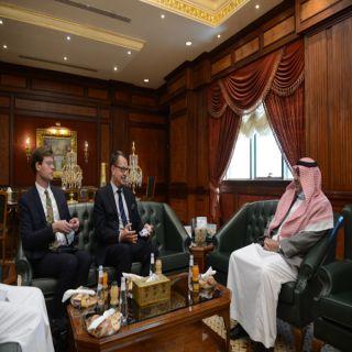 رئيس #جامعة_الملك_خالد يلتقي السفير السويدي لدى المملكة