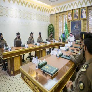 سمو أمير #القصيم يعقد اجتماعاً  بمُديري القطاعات الأمنية في المنطقة