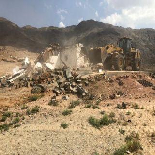 تعديات #بارق تستعيد 12 موقعًا غرب المحافظة