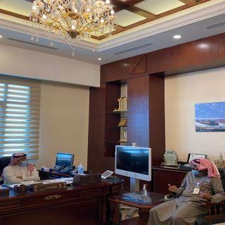 محافظ خميس مشيط يستقبل مدير وحدة الخدمات الشاملة  بالمحافظة