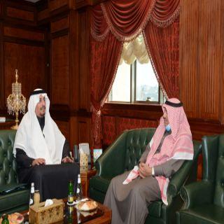 رئيس #جامعة_الملك خالد يبحث مع مدير عام طرق عسير شبكة طرق المدينة الجامعية بالفرعاء