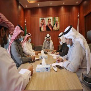 الويمني يُناقش اقامة فعاليات القافلة الإرشادية الزراعية بـ #عسير