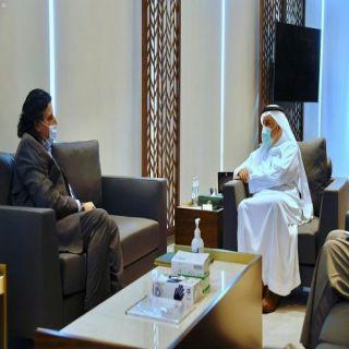 الدكتور الربيعة يلتقي السفير الباكستاني لدى المملكة