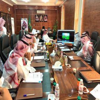 بلدي #بارق يُناقش خطط الارتقاء بالخدمات والمشاريع البلدية في المحافظة