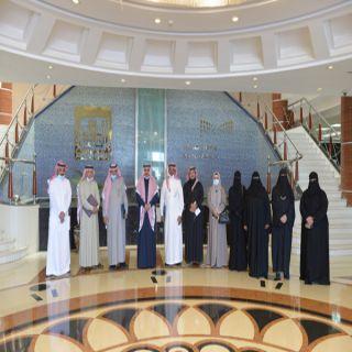 رئيس #جامعة_الملك_خالد يلتقي أعضاء رابطة عسير الخضراء