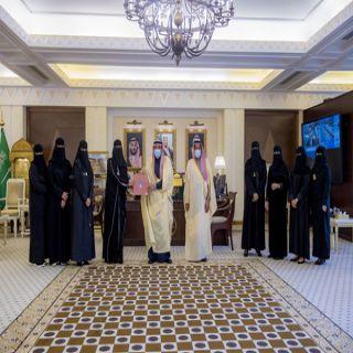 فيصل بن مشعل يتسلم تقريراً عن الجودة وقياس الأداء لمجلس فتيات القصيم