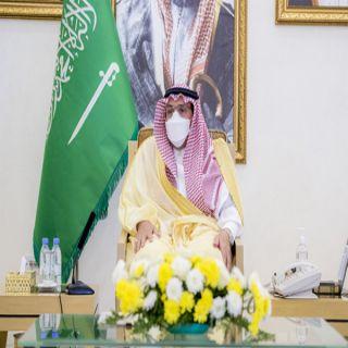 سمو الأمير فيصل بن مشعل يكرم الفائزين بمسابقة مدرستي الرقمية بـ #تعليم_القصيم