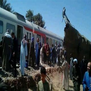 النيابة المصرية تعلن نتائج التحقيقات في حادث تصادم قطارين بسوهاج