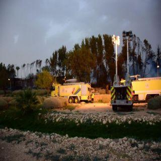 الدفاع المدني يُخمد حريقًا اندلع بنخيل وأعشاب في وادي حنيفة في #الرياض