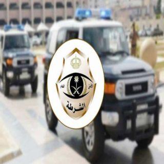 شرطة الرياض القبض على قائد مركبة وطفلين استولوا على صندوق جمع الملبوسات