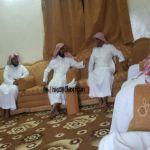 رئيس جمعية تحفيظ القرآن بمركزثلوث المنظر يزورأحد الطلاب في منزله