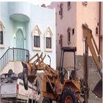 الباحة - مواطن يعتدي على أخرويحطم مركبته بجرافة