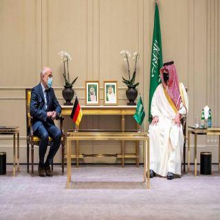 سمو الأمير عبدالعزيز بن سعود يلتقي وزير الدولة بوزارة الداخلية الألمانية