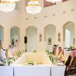 وزير الخارجية الكويتي والسعودي يعقدان جلسة مُباحثات رسمية