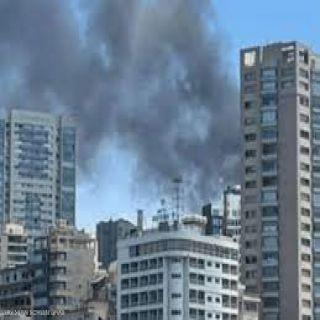 """حريق ضخم بفندق """"لا فيدا""""  في #بيروت"""