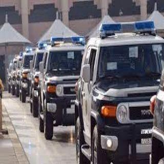 شرطة الرياض القبض على شخص جهز مركبته بتجهيزات شبيهة بالمركبات الأمنية