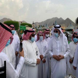 محافظ سراة عبيدة يطلق مهرجان المانجو بمركز الفرشة