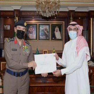 سمو وزير الداخلية يوجه بتكريم مواطن منع نشوب حريق في مبنى سكني في الدمام