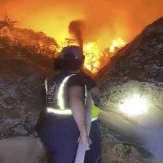مدني #الباحة و #نجران و #جازان يُشارك مدني مدني عسير لسيطرة على حريق شعف أبها