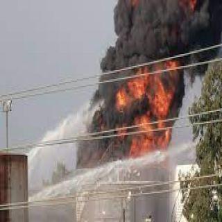 وزير الطاقة اللبناني يُعلن تطويق الحريق حريق خزان الوقود في #الزهراني
